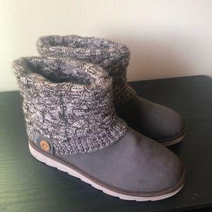 MukLuks boots. Like new